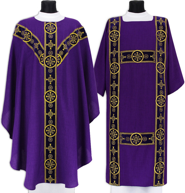 Set of Semi Gothic Chasuble and dalmatic model 579